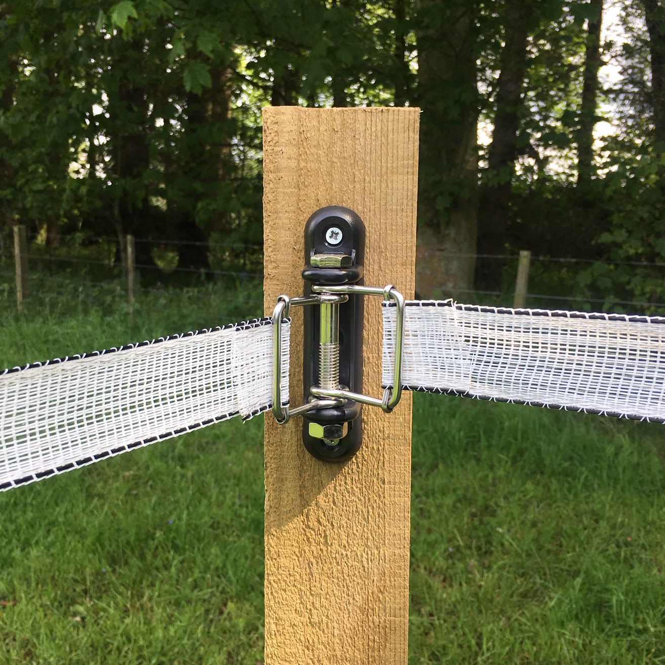Corner Insulators With Double Bucle For Tape Electric Fencing